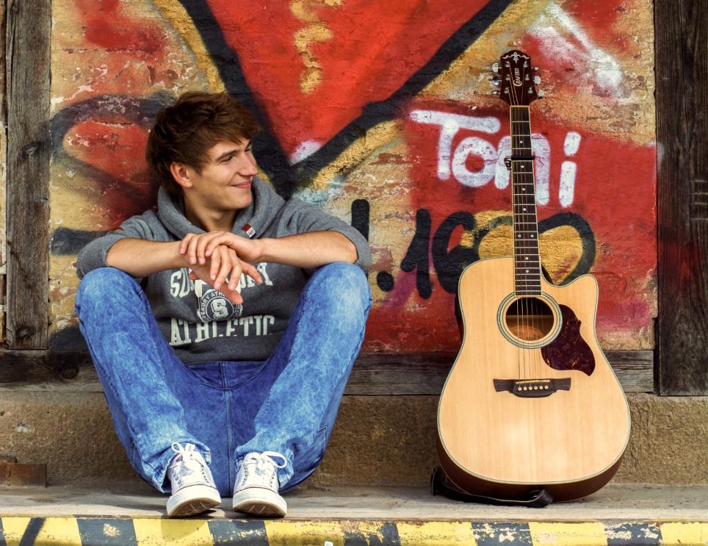 TONI - Singer Songwriter aus Karlsruhe